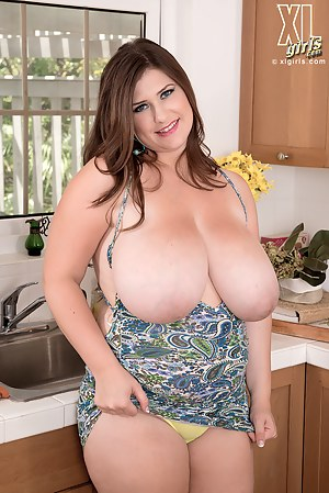 Moms Housewife Porn Pictures