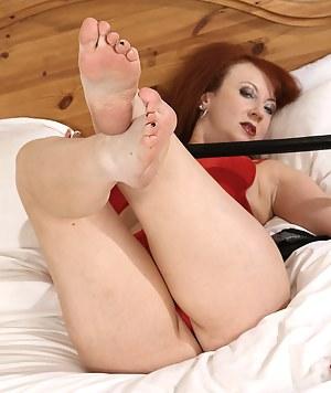 Moms Foot Fetish Porn Pictures